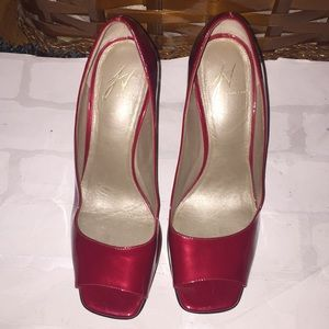 Cute red peep toe J Vinceini heels! Size 6m
